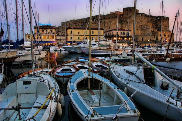 Baie de Naples - Crédit photo : Stuck in Customs
